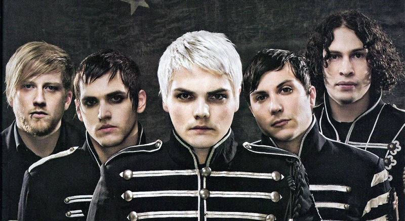 15 Iconic 2000's Emo Songs That Every Former Emo Kid Secretly StillLoves